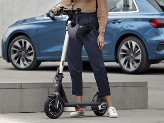 Atreva-se com a Audi electric kick scooter